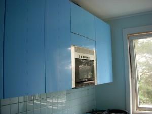 fronter på plass på øvre og høyre del av kjøkkenet