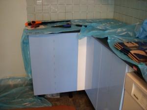 fronter på plass på nederste og venstre del av kjøkkenet.